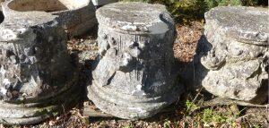 Piliers de l'ancienne église de Donges pour le projet de lieu de mémoire